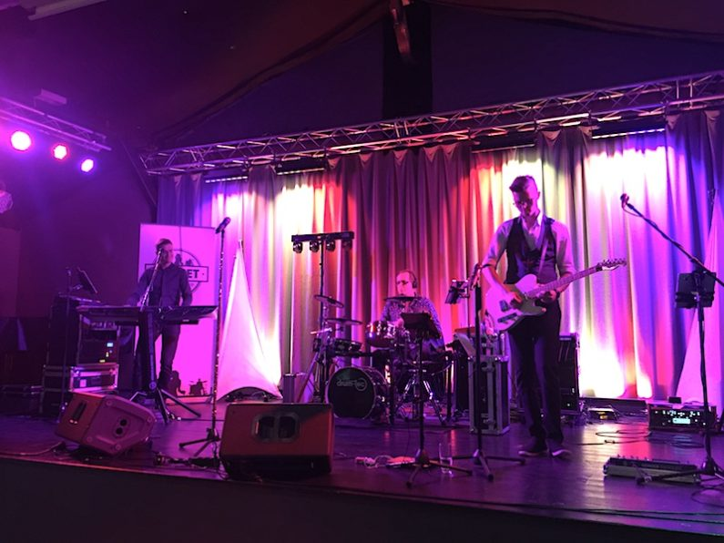 PLANET Partyband LIVE in Bleckede Juni 2018. Ihre Partyband, Tanzband, Coverband, Top40 Band für alle Events, Bälle, Hochzeiten, Firmenfeiern, Geburtstage, Tanzschulen, Partys und Feiern in Hamburg, Schleswig-Holstein, Bremen und Niedersachsen.. und mehr !