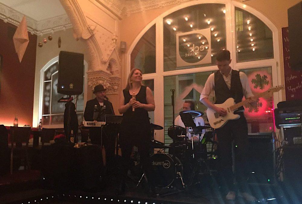 PLANET Partyband im Eckpunkt in Itzehoe. Weihnachtsfeier am 16.12.2016