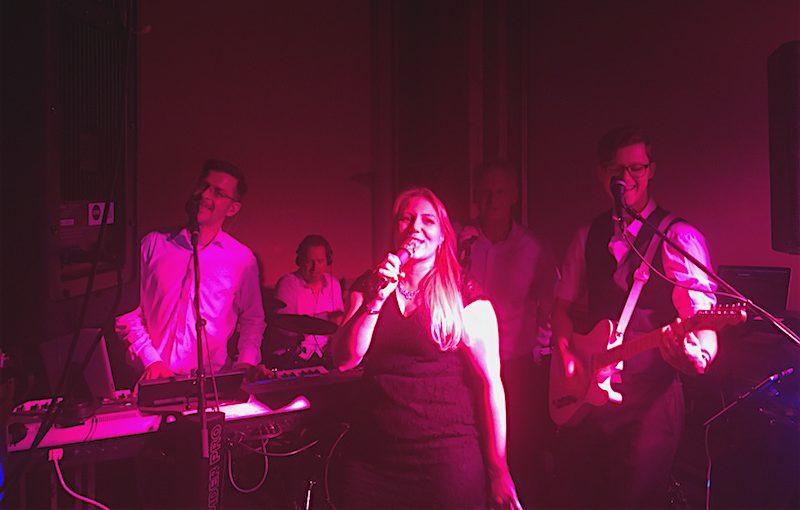 PLANET Partyband, die Band für alle Events, Live in Hamburg.