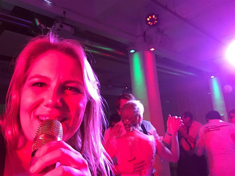 PLANET Partyband Live in Berlin. Die Partyband zum Feiern, Tanzen, Singen und Abrocken !