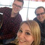 PLANET Partyband Hamburg Unplugged Akustik für Ihr Event. Der Platz ist klein, das Budget begrenzt ? LIVE-Musik hautnah und zum Anfassen ! PLANET Unplugged - vom Wohnzimmerkonzert bis zu großen Bühnen.